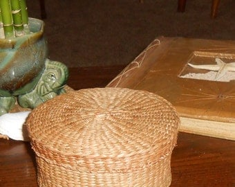 Mid Century Sweet grass round woven Basket with lid