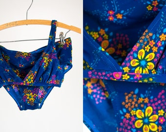 Vintage 1970's Two Piece Bikini Swimsuit with Neon Flower / Floral Print Women's Small