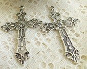 Filigree Cross pendant Filigree Cross charm in Antique Silver/Quantity 1