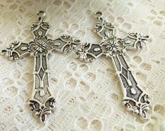 Filigree Cross pendant Filigree Cross charm in Antique Silver/Quantity 1