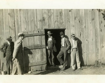 "Vintage Photo ""Secret Barn Discussion"" Farm Men Snapshot Antique Photo Old Black & White Photograph Found Paper Ephemera Vernacular - 133"