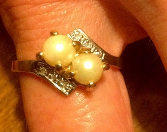 14K gold pearl and diamond ring          VJSE
