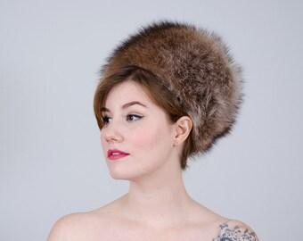 1960s vintage hat / mod fur hat / raccoon fur hat