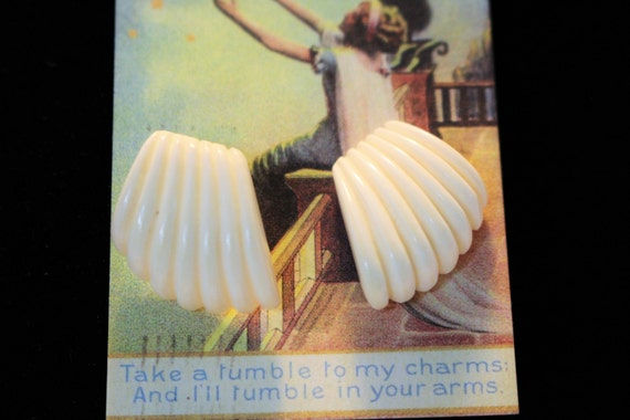 Ivory White Art Deco Vintage Plastic Earrings Scalloped Shaped