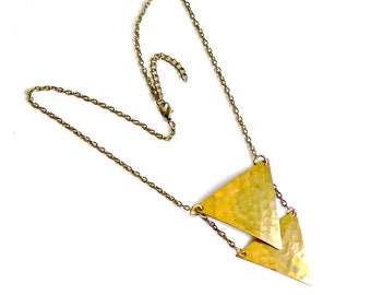 Vintage Geometric Necklace. Brass Triangle Pendant Necklace. Minimalist Necklace. Chain Necklace.