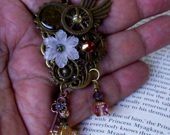 Steampunk Pendant (N524) - Necklace with Gears and Crystal Dangles - Clockface and Key Pendants - Wings - Adjustable Brass Chain