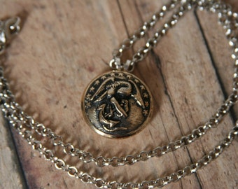 USMC Necklace Eagle Pendant perfect for men and women - made with a brass Marine button