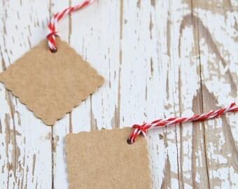 10 Etichette quadrate di carta kraft - 10 Square Scalloped Kraft Gift Tags