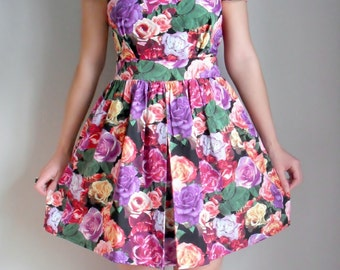 Floral Rose Rockabilly 1950's Tea Dress Multi Coloured Print with puff sleeves
