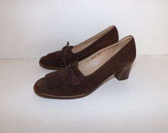 Vintage 1970s Salvadore Ferragamo real pigskin suede leather brown loafers moccasins heels heeled size 7B