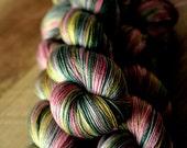 "Sock yarn - 50/50 SW Merino/Silk - Valentine's Day - ""Champagne & Strawberries"""
