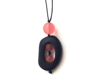 Sensory Jewelry or Nursing Necklace - Autism/ ASD/ Aspergers - Black and Coral Twiddle Buster - Breastfeeding Necklace