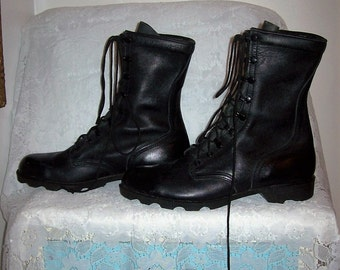 Vintage Men's Black Leather Military Issue Boots Size 11 1/2 Only 20 USD