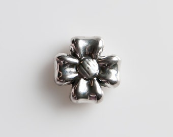 STORE CLOSING! CLEARANCE LqSS23 - Sterling Silver Flower Bead Pendant