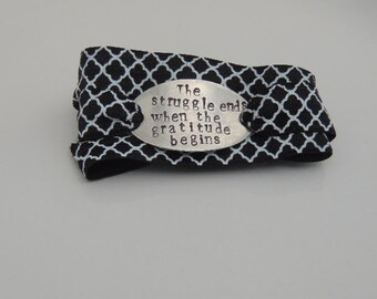 Wrap Bracelet - The struggle ends when the gratitude begins - Mantra Bracelet - Mantra Band - Stretch Bracelet