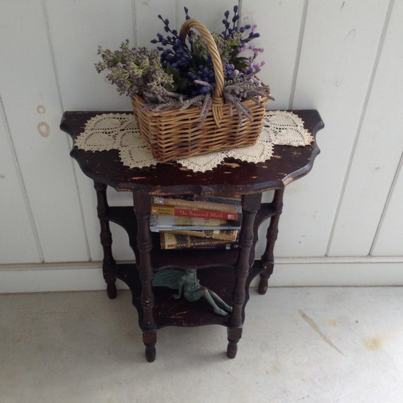 vintage half moon side table with shelves country foyer table. Black Bedroom Furniture Sets. Home Design Ideas