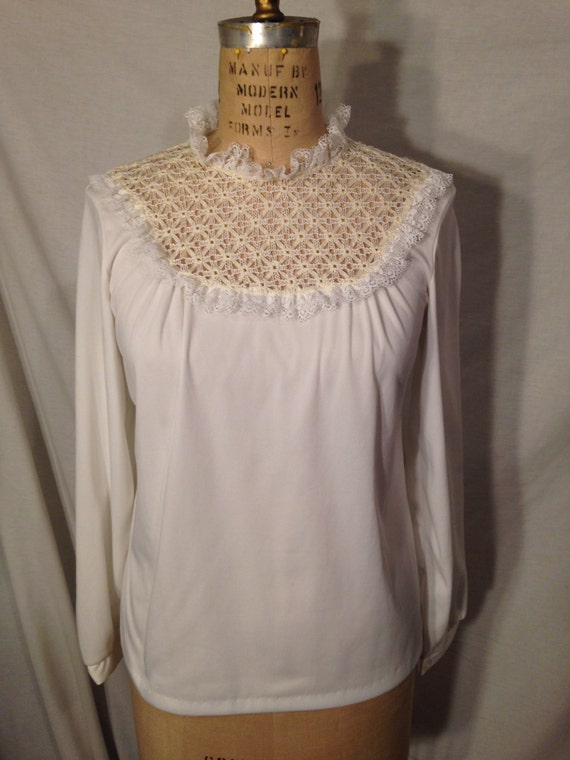 Vintage White Polyester Long Sleeve Blouse s25