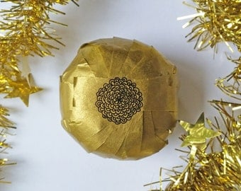 Surprise Ball // Prize Ball // Party Favors // Gifts for Creatives & Artists // Gold and White // Unique Gift // Prizes // Tiny Fun Gifts