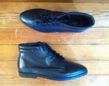 navy blue leather danexx ankle boots. women's 7
