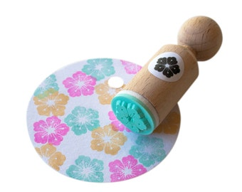 Tropical flower Stamp with mint rubber