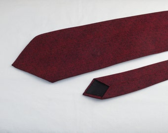 Vintage Mardon Men's Tie, Red and Black