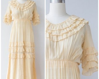SALE Vintage 1910s Ruffle Garden Dress / Edwardian Lawn Dress Wedding Dress Bridal XXS