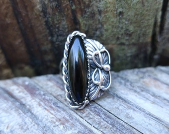 Vintage Native American Silver and Black Onyx Ring