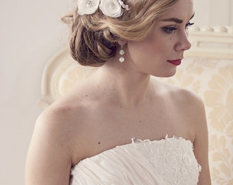 Ivory bridal hair flower Wedding flower hair clip Ivory clip Wedding hair flower Bridal hair cpil Wedding bridal fascinator