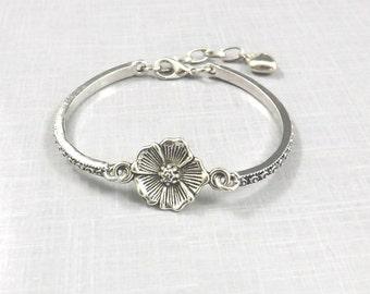 Flower Bracelet, Cuff Bracelet, Poppy Flower, Teen Dainty Bracelet, Poppy Jewelry, Thin Silver Bracelet, Curve Bracelet Bridesmaid