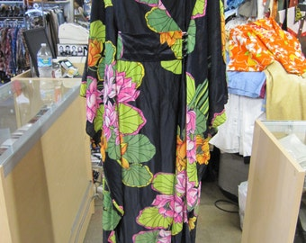 Floral Caftan Kaftan // BURNING MAN // Palm Springs Party // Resort Wear // Hippie Clothes // 1970s 70s Clothing // XS Small Medium