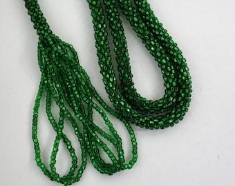 1920s Flapper Emerald Green Seed Bead Tassel Necklace Sautoir Lariat