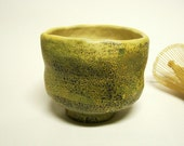 Ceramic Tea Bowl Matcha Chawan in Yellow and Black Frogskin design, Pottery Ready to Ship