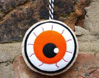 Felt halloween eyeball ornament