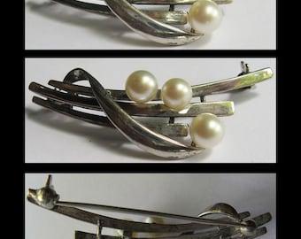 MIKIMOTO vintage elegant STERLING SILVER three pearl brooch pin
