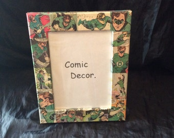 "7"" by 5"" Green Lantern  picture frame"