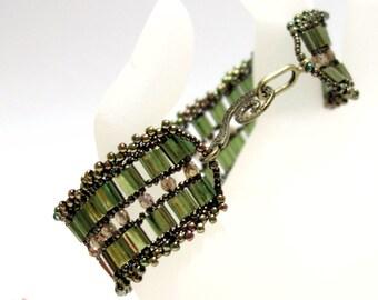Beads Bracelet green olive green olive