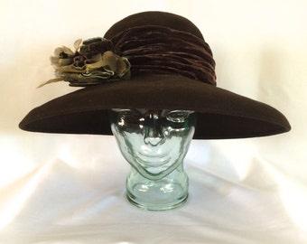 1920s Style Louise Green Wide Brimmed Velvet & Felt Hat