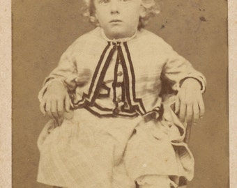 CDV of little boy. Carte de visite of child