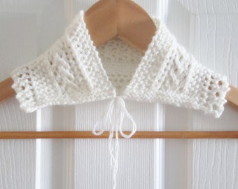 Peter Pan Collar - White Lacy Knit Detachable Collar - Knit Accessory - Hand Knitting - Canadian Made