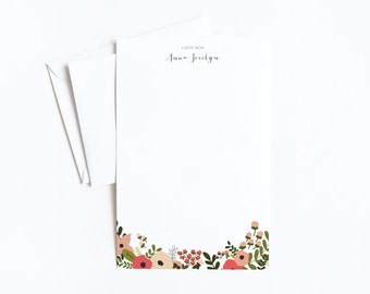 Personalized Letter Writing Sheets | Floral Personalized Stationery Set with Custom Writing Paper : Blooming Wreath Collection