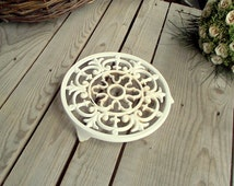 White Cast Iron Trivet - Enameled Round Pan Stand - French Vintage Table - French Kitchen - Shabby Chic Table - Country Kitchen