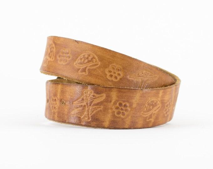 70s Vintage Mushroom and Flower Tooled Leather Belt | Jenny Stamped Belt | Size 30