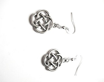 Silver Celtic knot earrings ,Irish knot/Trinity knot/Ireland/Scottish/Scotland/ Charmed/Outlander/St.Patrick'sDay