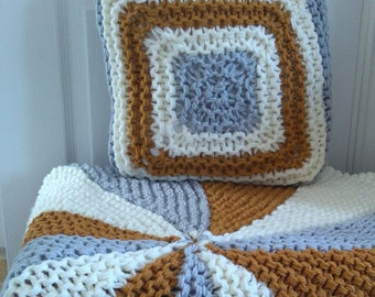 Knitting pattern for chunky rug and cushion