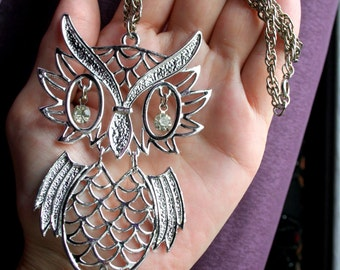 LARGE Vintage Shiny Silver tone Owl Pendant Chain Necklace. Articulated w/ Sparkling Rhinestone Eyes. Lots of Movement. Boho Chic! 1970's