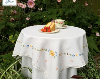 Spring Yellow Embroidered Linen Tablecloth - Pretty Vintage Table Decor - Square Floral Design - Afternoon Tea- Vintage Wedding Daisies Blue