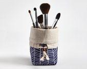 Travel Makeup Brush Holder, Makeup bag, Makeup Brush Organizer Cosmetic Organizer in Navy Herringbone