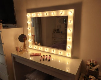 makeup mirror light bulbs makeup vidalondon. Black Bedroom Furniture Sets. Home Design Ideas