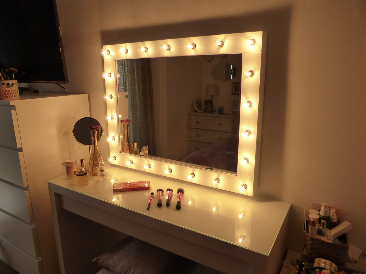 Hollywood lighted vanity mirror large makeup mirror with for Mirror vanity