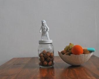 Grizzli bear glass jar